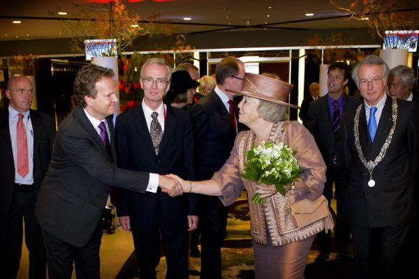Koningin Beatrix - General Manager Michiel Middendorf Metropolis Conferentie 2010 - Foto Frank van Beek